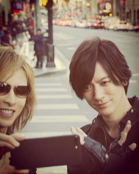 YOSHIKI、DAIGOと仲良し自撮り姿に「兄弟?」「イケメンが2人」の声サムネイル画像