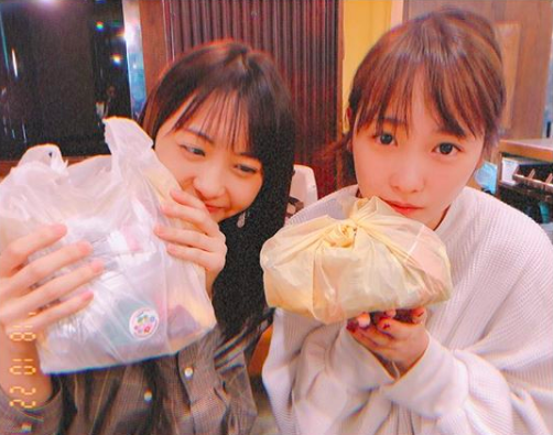 川栄李奈、AKB48メンバーとの再会ショットに山本彩が「会いたいぞー!」