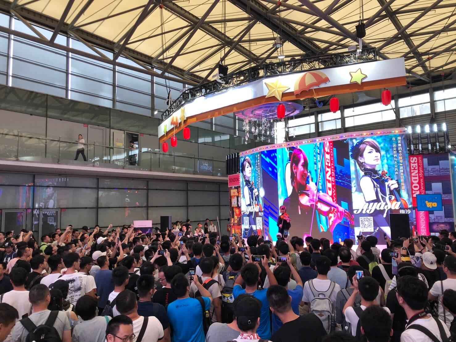 ロックヴァイオリニスト・Ayasa、中国「BiliBili」登録者10万人突破、アンコールワンマンLIVE開催サムネイル画像