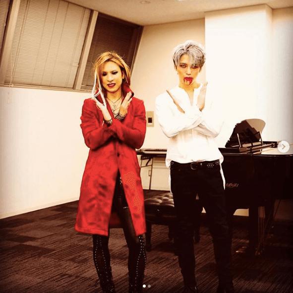 YOSHIKI&ジェジュン、仮装2ショットに反響「感動で震えた」「美の結集」サムネイル画像