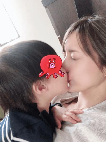 後藤真希、息子の熱烈チュー写真公開「かみちぎられるかと」サムネイル画像
