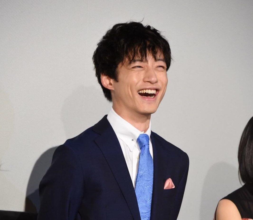 坂口健太郎、好きな人と付き合う時の傾向「意外と…」サムネイル画像