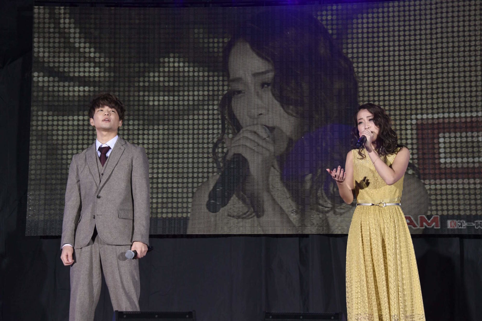レディ・ガガからのプレゼントも!LINE LIVE「スターダムオーディション」グランプリのKIMIKAとU-keyが「シャロウ」を熱唱サムネイル画像