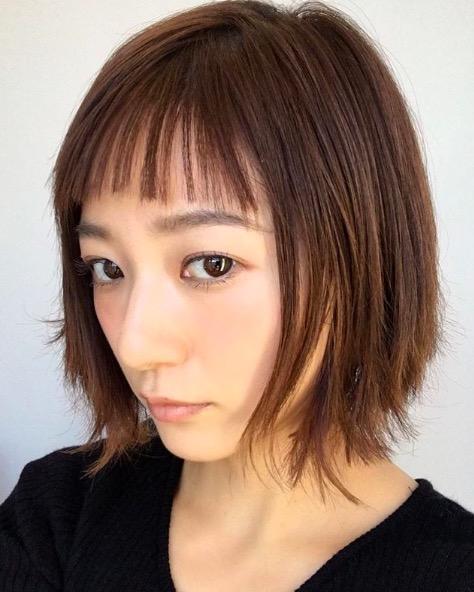 元AAA伊藤千晃、オン眉ショートのヘアスタイルに反響「バッサリ」「最高に可愛い」サムネイル画像