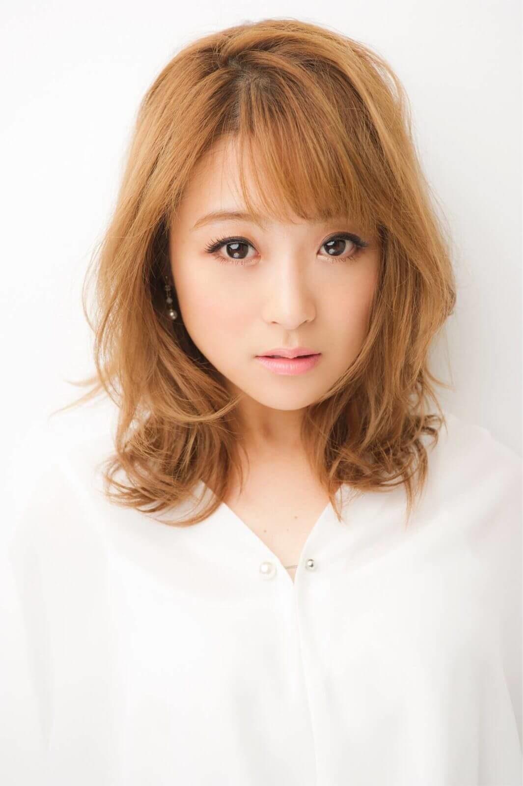 鈴木奈々、自身とキャラ被りした芸能人を告白「声がデカイだけで…」