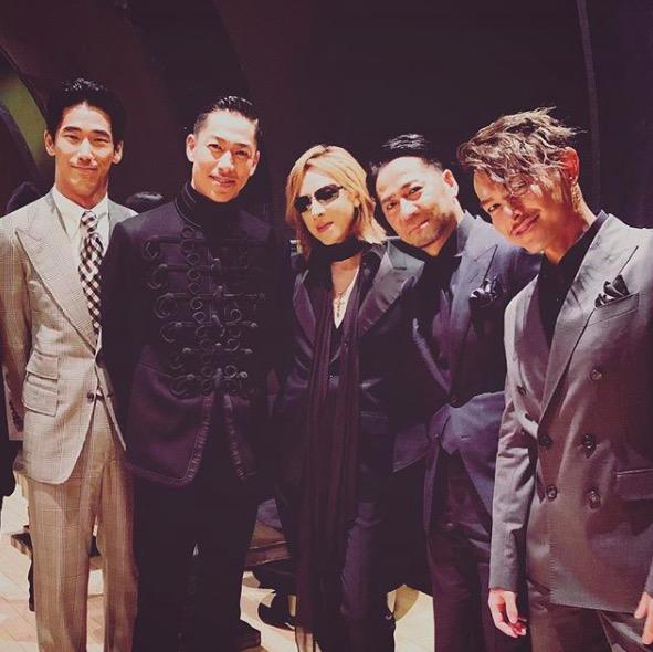 YOSHIKI、EXILEファミリーとの写真にファン歓喜「神メンバー」サムネイル画像