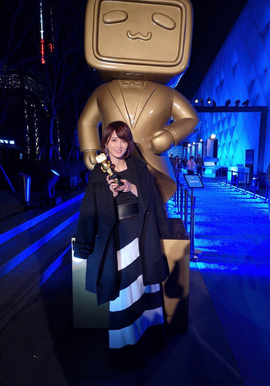 ロックヴァイオリニスト・Ayasaがbilibili新人賞受賞サムネイル画像