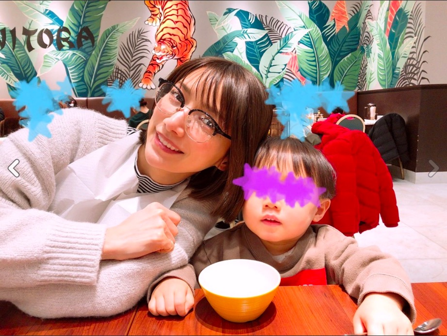 後藤真希、家族4人でのお出かけショット公開し「メガネかわいい!」「楽しい日曜だね」サムネイル画像