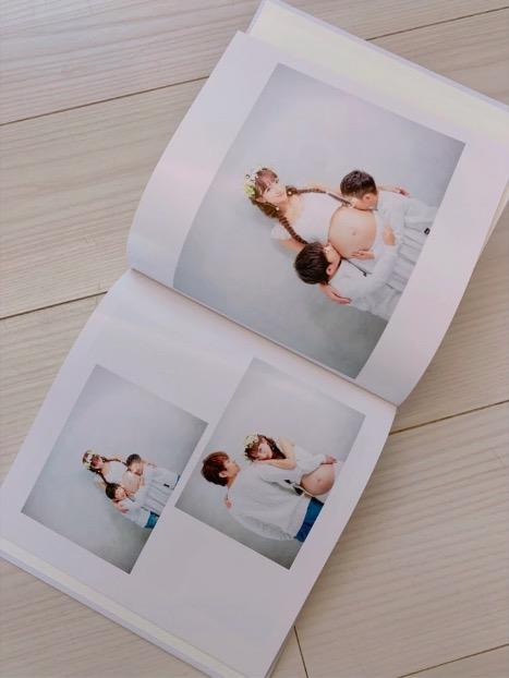 辻希美、第4子妊娠中の家族5人マタニティフォト公開で「また杉浦家の新しい宝物が」