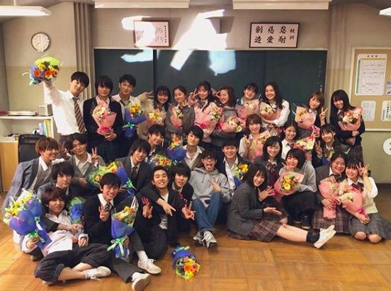 川栄李奈、菅田将暉らとの『3年A組』集合ショットに反響「卒業写真みたい」サムネイル画像
