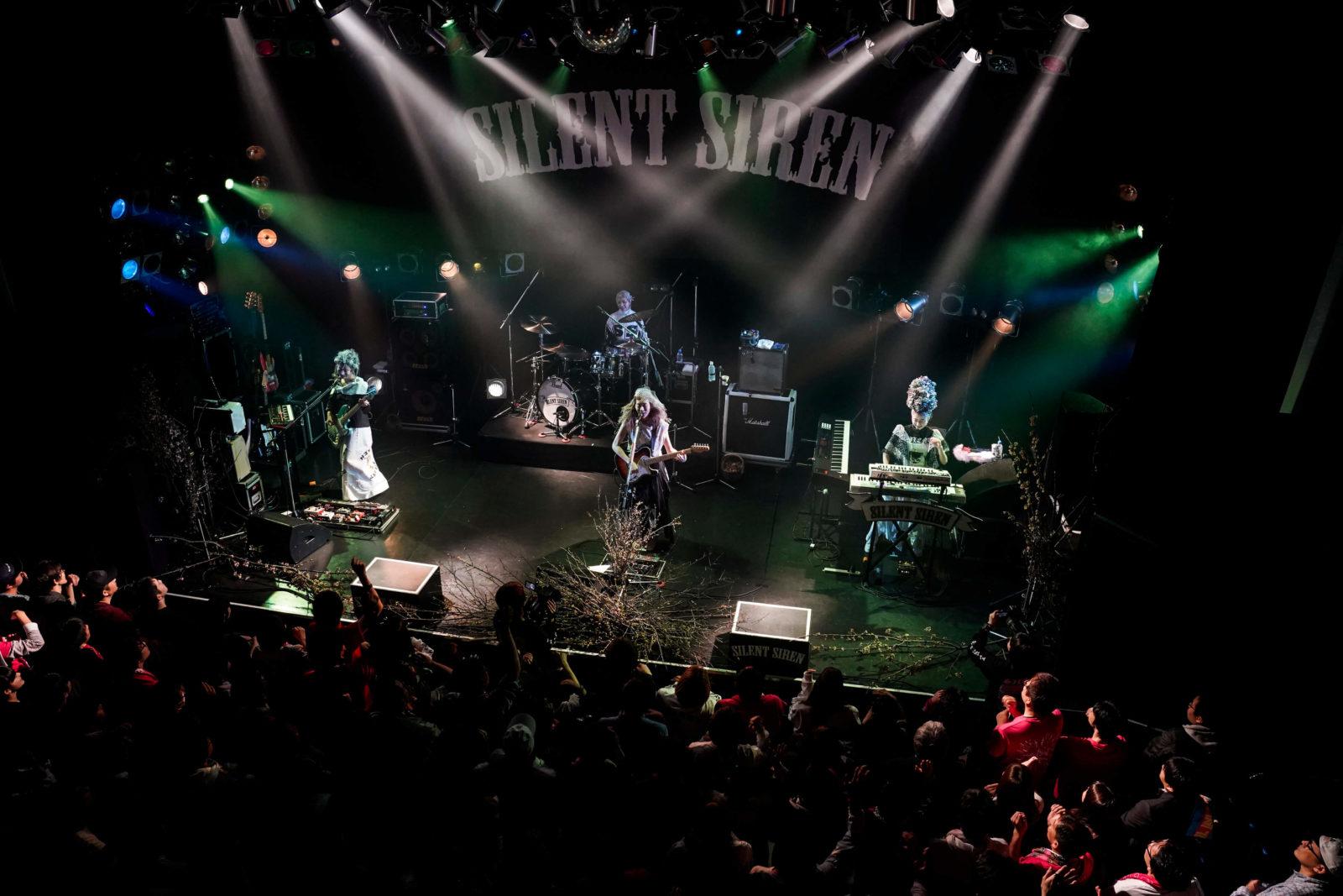 SILENT SIRENが6thアルバム「31313」リリースを記念して突如渋谷でシークレットライブを開催サムネイル画像