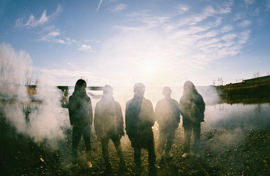 踊ってばかりの国、ニューアルバム「光の中に」より「weekender」のMV公開サムネイル画像