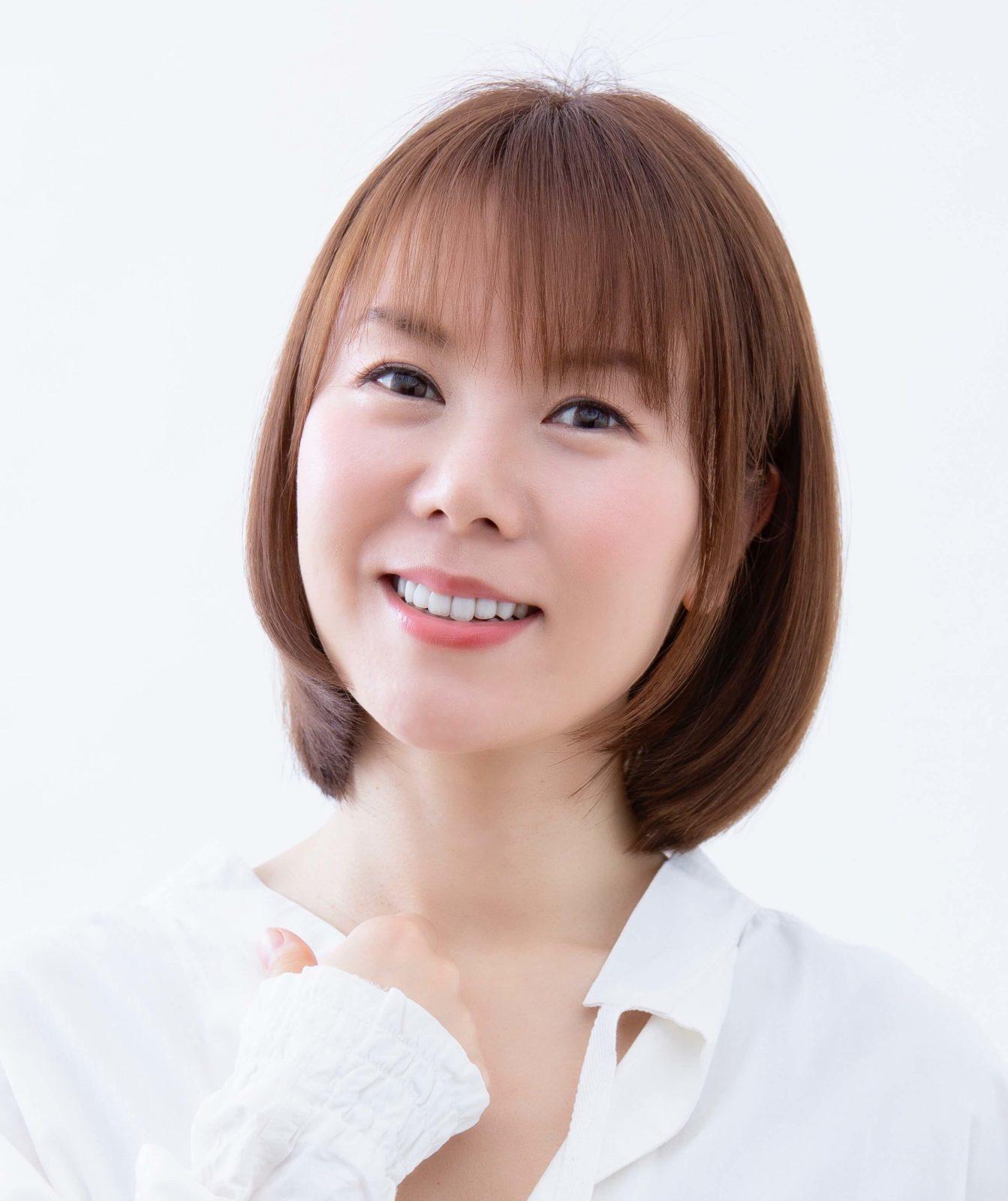 半崎美子、母の偉大さを讃えたニューシングル「母へ」収録詳細、新アー写・ジャケ写公開サムネイル画像