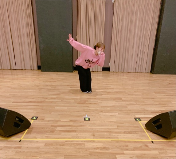 辻希美、加護亜依との14年ぶりリハーサル時写真公開と幻の楽曲リリース報告にネット反響「泣いた」サムネイル画像