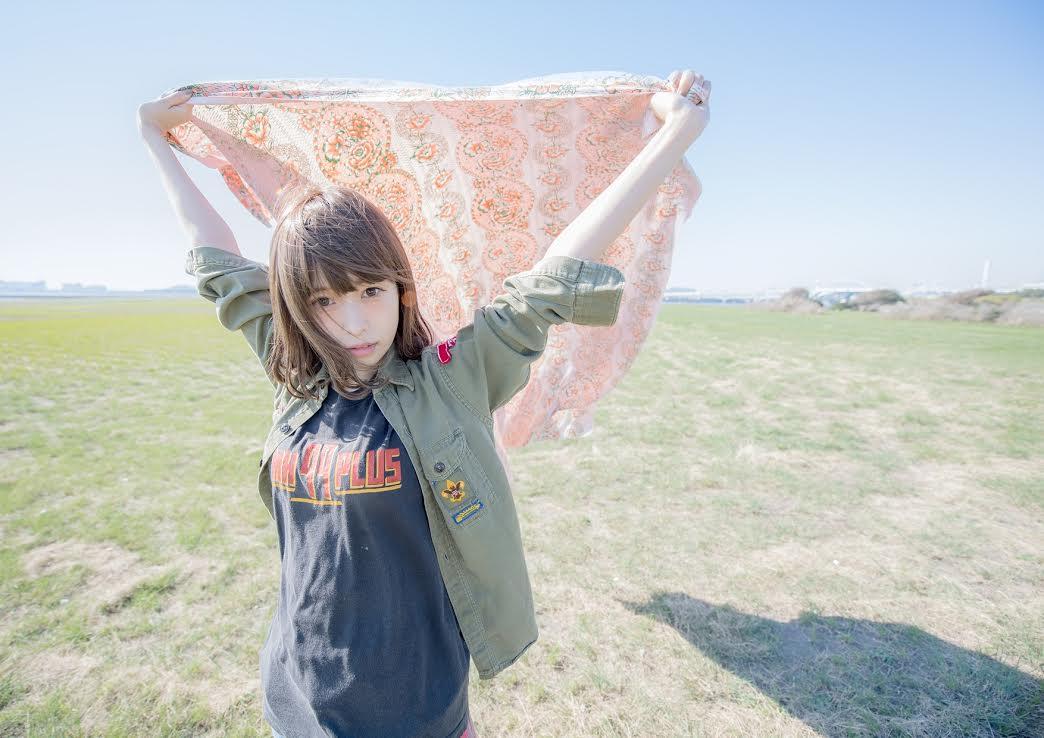 藤川千愛「盾の勇者の成り上がり」第2クールEDテーマ「あたしが隣にいるうちに」MV公開サムネイル画像