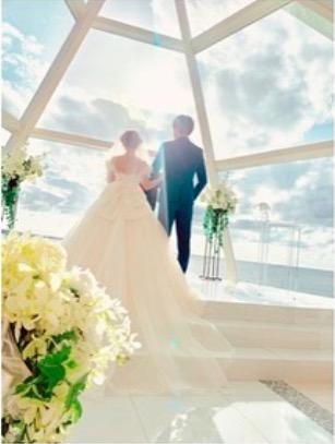 結婚式で矢口真里を囲む菊池亜美、手島優、ゆしんらの写真公開&妊娠報告のタイミングも明かす「先走って…」