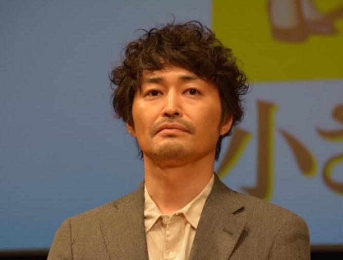 佐藤二朗、安田顕にクレーム?「チューするのは…」サムネイル画像