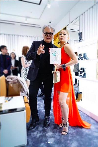 倖田來未、ミニ丈ドレスで土屋アンナとの2ショット公開し反響「スタイル良すぎ」「ママに見えない」