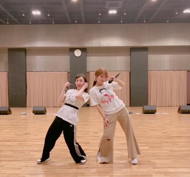 辻希美、加護亜依との仲良しリハーサル2ショット公開で「ダブルユーでぇ〜す」