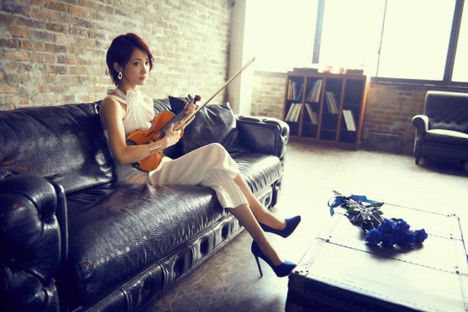 Ayasa、6枚目のミニアルバム「CHRONICLE VI」完成サムネイル画像