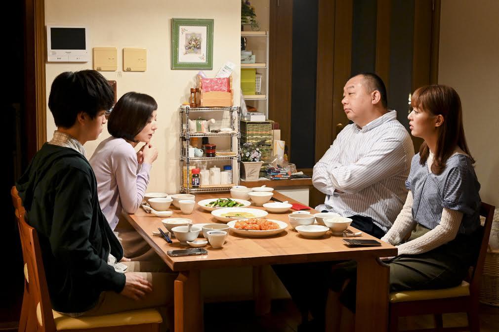 内田理央主演ドラマ『向かいのバズる家族』令和で最も熾烈な家族喧嘩勃発