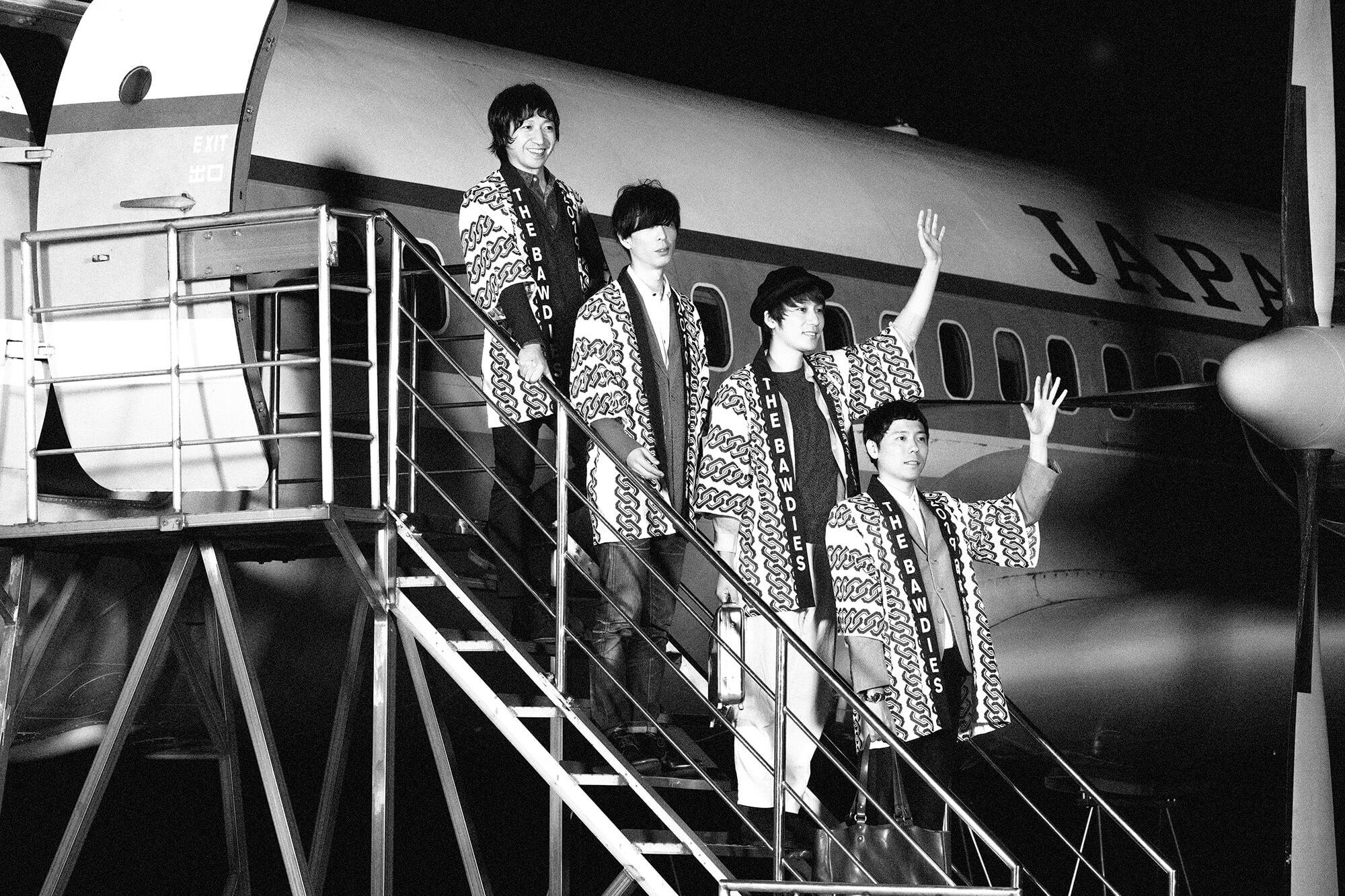 THE BAWDIES、日本武道館作品リリース記念・7都市でライブフォトパネル展決定
