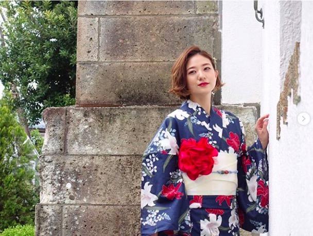 伊藤千晃、艶やか浴衣姿の写真公開に絶賛の声「可愛いと綺麗の大渋滞」「鬼美人」サムネイル画像