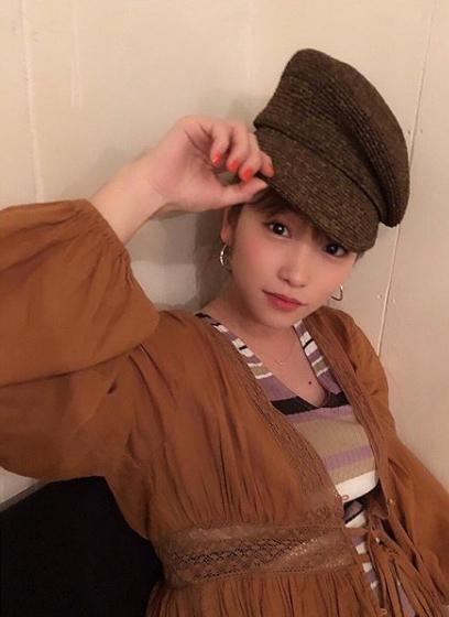 """川栄李奈""""高さがすごい""""お団子&帽子写真に「お腹大きくなって」「可愛い」の声サムネイル画像"""