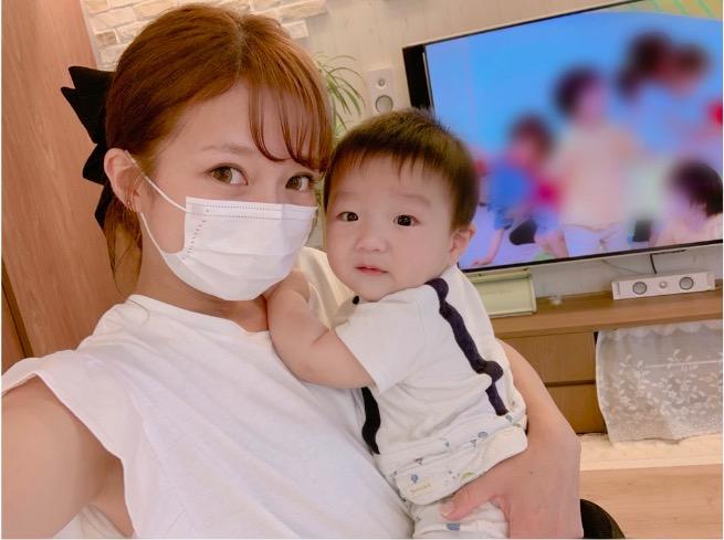 「ママちっちゃ!!」辻希美、小6長女との背比べ写真公開し「手足も長くて羨まし過ぎる」