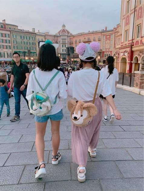 辻希美、長女とのディズニー2ショット公開「テンション上がりまくり」サムネイル画像