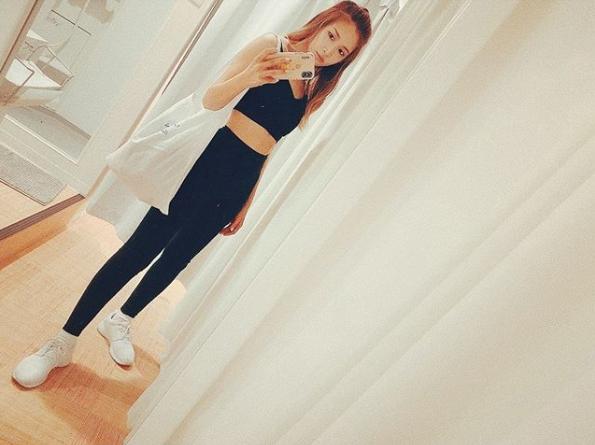 紗栄子、美ボディ際立つトレニーニングウェア姿に「綺麗な体」「すっごく細い」の声サムネイル画像