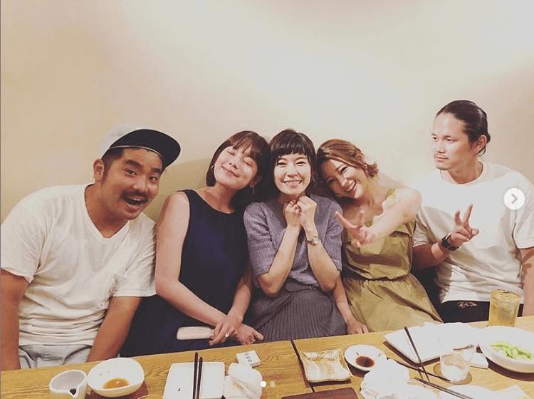 """筧美和子""""元テラハ""""の集合写真公開で反響「大好きすぎ」「懐かしの…」サムネイル画像"""