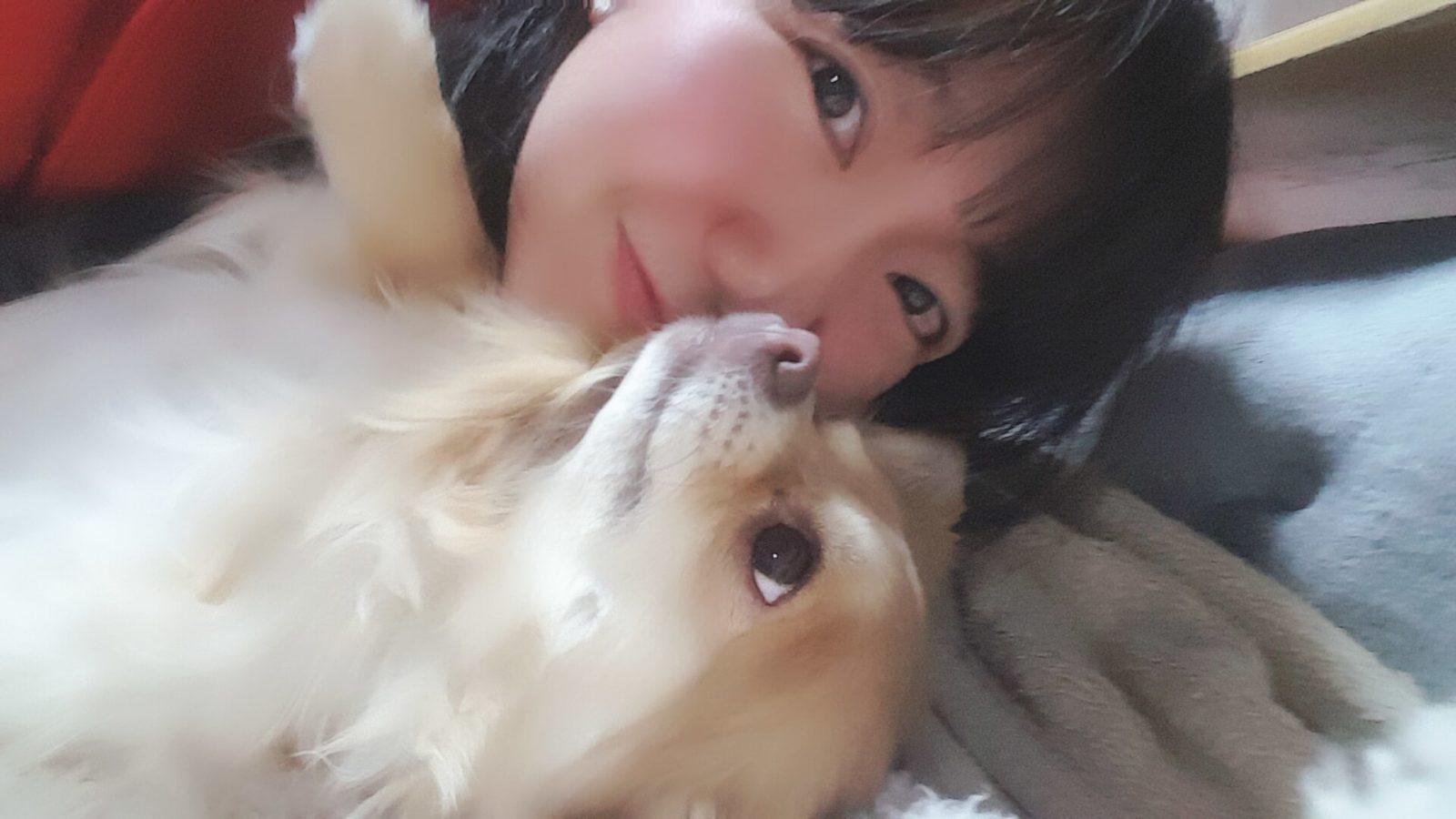 """2つのグループを掛け持ち!""""永遠の癒し系ちびっこ""""橘由紀子、ペット愛を語る「いつも胸キュン」サムネイル画像!"""