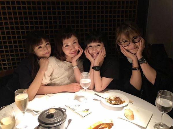 小倉優子、山口もえ&千秋&ギャル曽根とママ友4ショットを公開し反響「女子会メンバーとても素敵」「可愛いです」サムネイル画像