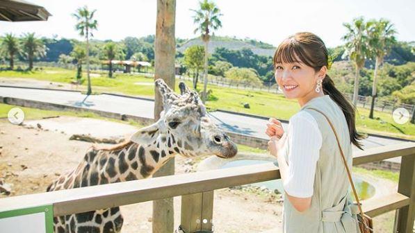 AAA宇野実彩子、動物たちとの笑顔ショットを公開し「絵になる」「可愛いが溢れてる」の声サムネイル画像
