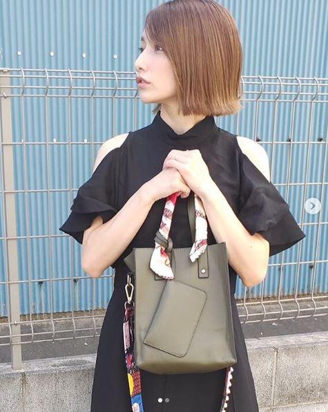 後藤真希、肩見せデザインワンピース×秋色バッグコーデに反響「パーフェクト」「可愛すぎて震えます」サムネイル画像