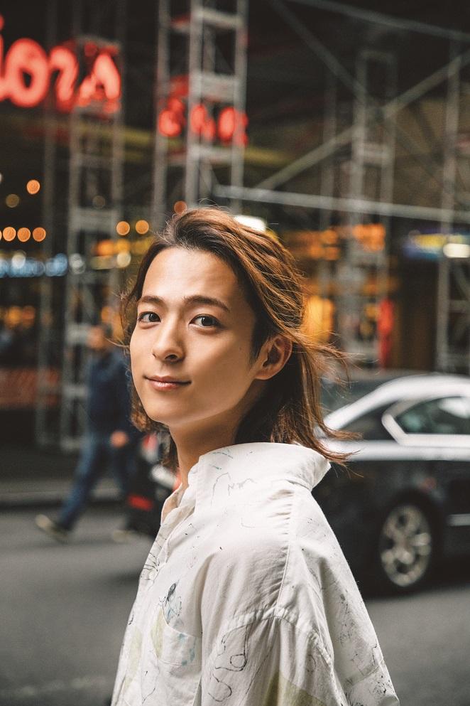 Da-iCE・和田颯、全編NYで撮りおろしたソロファースト写真集が発売決定サムネイル画像