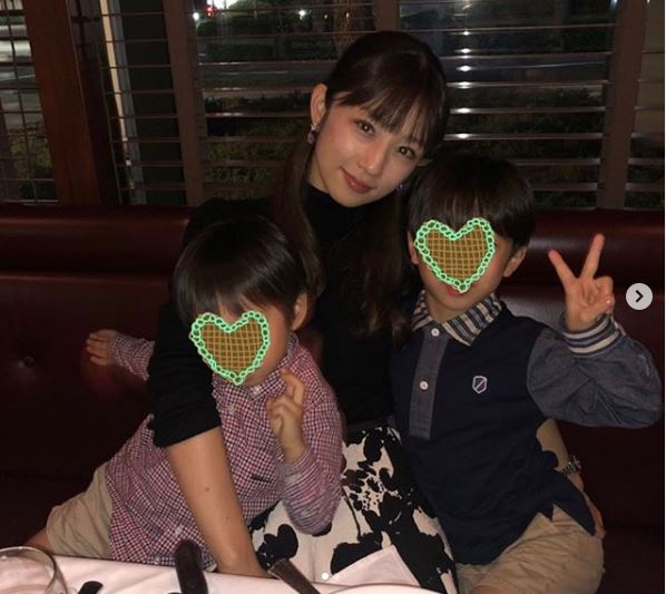 """小倉優子、子供たちとの""""36歳バースデー""""3SHOT公開に反響「素敵な幸せな家族」「いつまでも可愛い」サムネイル画像"""