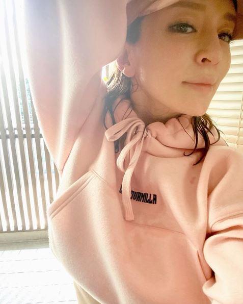 """浜崎あゆみ、自己流の""""体づくり""""の内容を明かす「正解や方法は人それぞれ」サムネイル画像"""