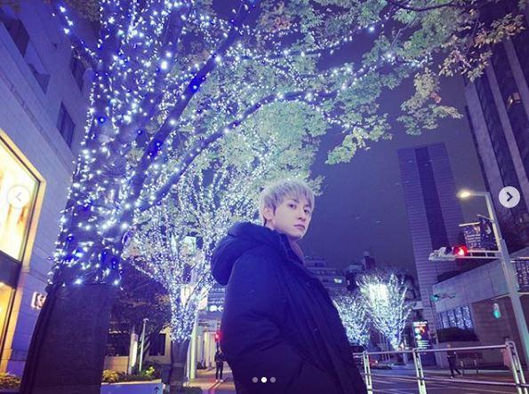 "AAA與真司郎、31歳の""バースデーSHOT""公開に祝福の声続々「幸せな1年を」「可愛すぎる」"