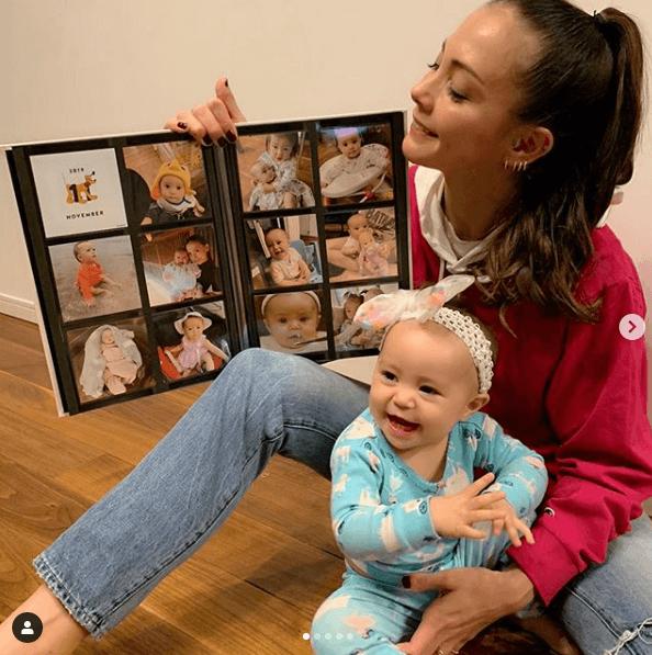 土屋アンナ、次女と笑顔のツーショット公開し反響「アンナさんに似て」「お人形さんより可愛い」サムネイル画像