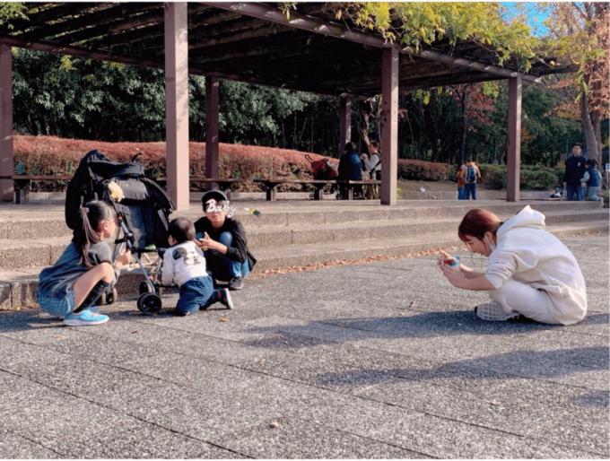 """辻希美、子供たちを撮影する姿を""""激写""""された写真公開「平和で癒された」"""