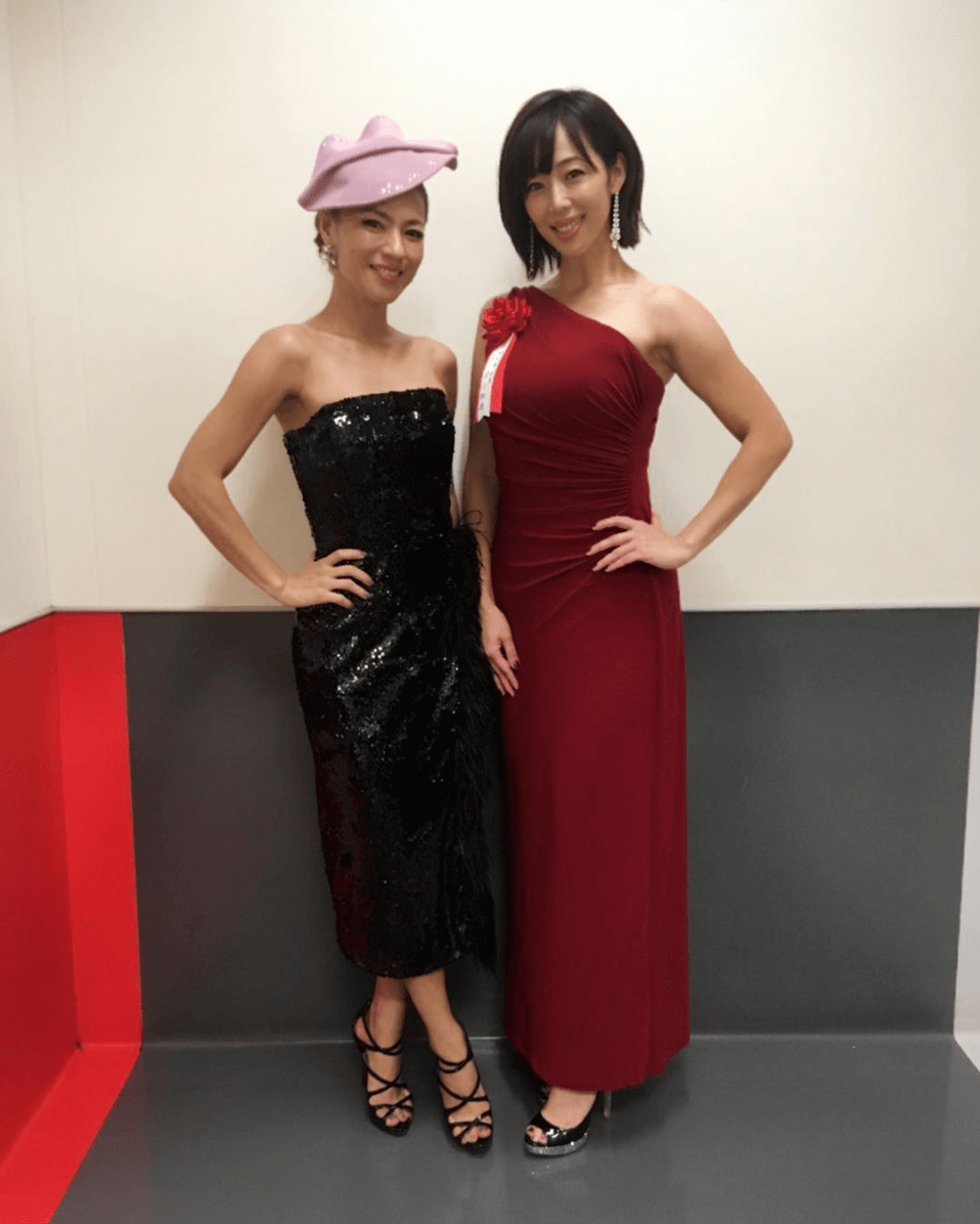 """「CMの時よりもさらに…」MAX・LINA、井上和香との""""ライザップ女子""""2ショット公開で「美しい」の声サムネイル画像"""