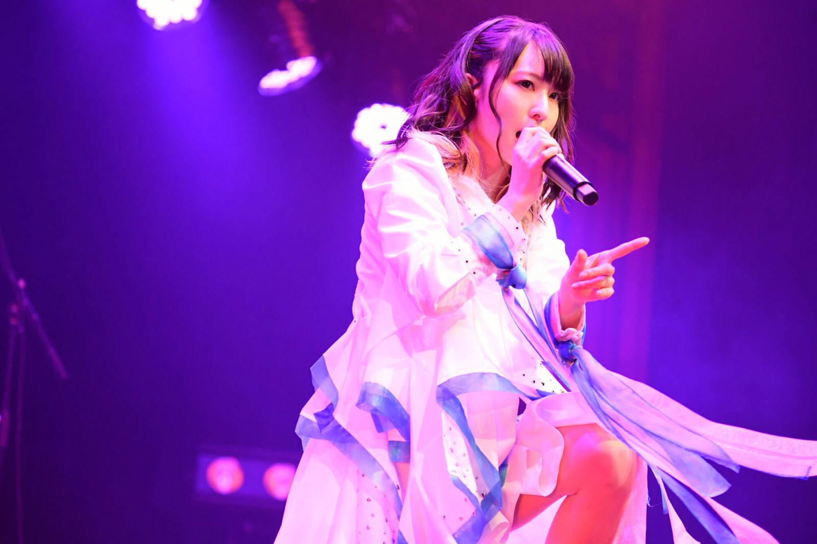 綾野ましろ、ワンマンライブ2019「ARCH」開催&9枚目のシングル「Alive」2020年2月リリース決定サムネイル画像