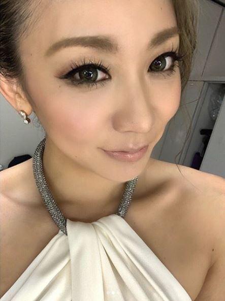 """倖田來未、""""どアップ""""のヘアメイクSHOTに反響「美の賜物」「お顔が天才」サムネイル画像"""