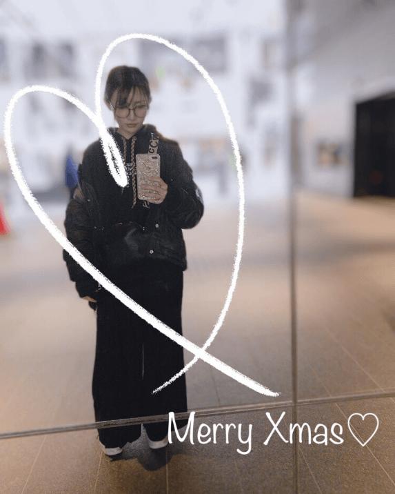 後藤真希、ダイヤのネックレスのプレゼント&ブラックコーデ自撮り公開し反響「可愛すぎ」「素敵な家族」サムネイル画像!