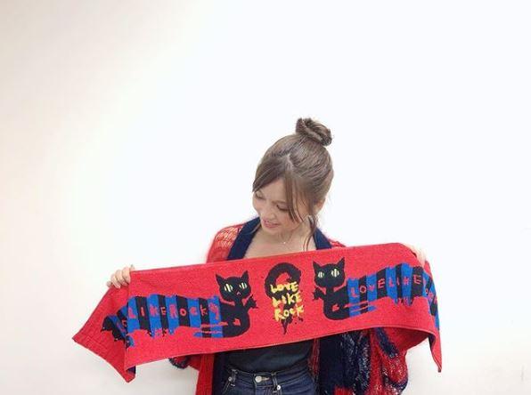 "AAA宇野実彩子、お団子ヘアの""伏せ目ショット""公開に「雰囲気好っき」「可愛すぎ」サムネイル画像!"