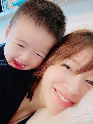 妊娠8か月の鈴木亜美、体調不良と家族の協力を明かす「旦那様素敵」「お身体大切にね」サムネイル画像