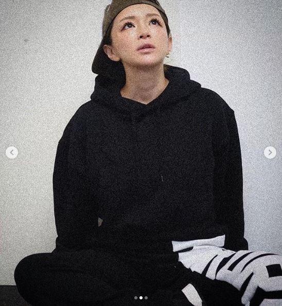 浜崎あゆみ、デコだしSHOT公開&多忙な中でのある習慣明かす「これじゃイカンイカン!と…」