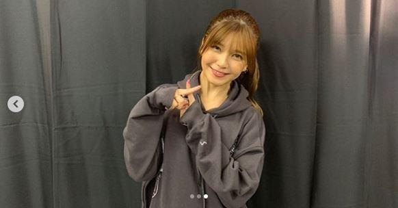 "AAA宇野実彩子、メンバー全員での""ドームツアー完走SHOT""公開に反響「愛しすぎる」「本当に最高のライブ」"